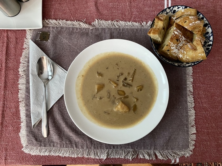 Hríbová smotanová polievka