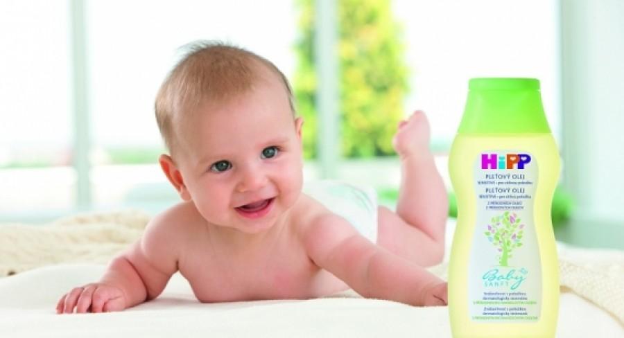 Nebojte sa kúpania bábätka, detskej pokožke prospieva