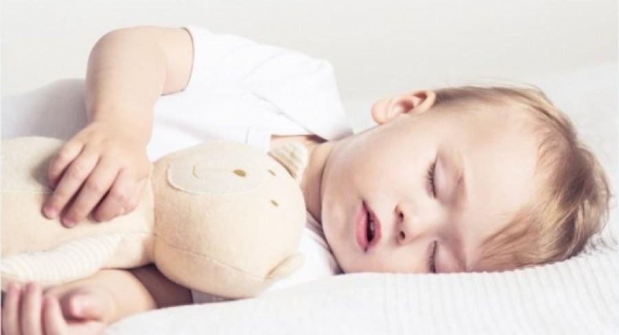 Tipy odborníkov pre lepší spánok bábätiek